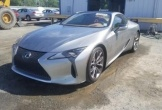 Hình ảnh Lexus LC500 giá chỉ 242 triệu đồng do bị mưa đá gây hại