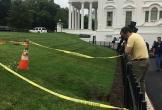Hố sụt bất ngờ xuất hiện tại Nhà Trắng