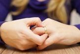Chồng muốn tiến thân bằng cách 'nhường' vợ cho sếp