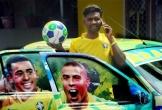 Người đàn ông sơn lại nhà mình theo màu đội bóng World Cup yêu thích