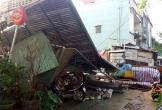 7 người thoát chết khi nhà đổ sập trong cơn mưa chiều