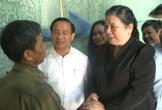 Phó Chủ tịch Thường trực Quốc hội tặng quà các gia đình chính sách Hà Tĩnh