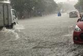 TP. Hà Tĩnh: Giao thông rối loạn vì nhiều tuyến đường ngập chìm trong biển nước