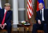 Vì sao ông Trump không mang giấy bút vào phòng họp giống ông Putin?