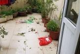 Nhìn ban công căn hộ chung cư tưởng bãi rác, khi biết sự thật thì ai cũng bức xúc tột cùng