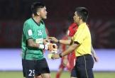 Thủ môn Đà Nẵng bị cấm bốn trận vì đá đối phương