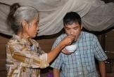Hà Tĩnh: Khốn cùng cảnh cả gia đình sống nhờ tiền trợ cấp tàn tật của con
