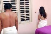 Bắt quả tang nhiều nữ tiếp viên massage 'tắm tiên' với khách