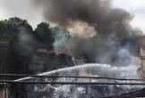 Cháy lớn tại Sài Gòn, 300m2 nhà xưởng bị thiêu rụi