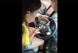 Cư dân mạng truy tìm nữ tài xế vừa lái xe vừa hát karaoke