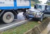 Xe biển xanh của Bộ VHTT&DL đi viếng gặp nạn