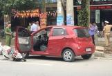 Nghệ An: Mở cửa ô tô bất cẩn gây tai nạn, nữ sinh nguy kịch