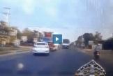 Ôtô vượt ẩu đâm trực diện vào xe tải gây tai nạn thảm khốc