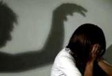 Hai thanh niên dụ dỗ nữ sinh lớp 8 rồi xâm hại