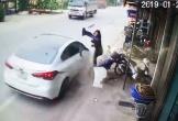 Clip: Người phụ nữ may mắn thoát chết trong gang tấc
