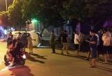 Nghi vấn giang hồ đi ôtô tông xe máy văng lên vỉa hè, 2 thanh niên thương vong