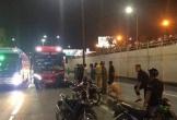 Cố tình chạy xe máy vào hầm chui, hai thanh niên bị xe khách tông tử vong