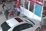 Kinh hoàng cảnh người đàn ông nổ súng bắn chủ nợ tại phòng công chứng