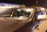 Thanh niên bị triệu tập vì ném chai nước làm vỡ kính ôtô trên cao tốc