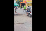 Video: Nam thanh niên bị đuổi đánh giữa đường sau va chạm giao thông
