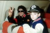 Đại diện Michael Jackson khởi kiện nhà phát hành phim tố ấu dâm