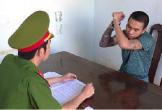 Thanh niên xăm trổ trèo vào trường chém bảo vệ trọng thương