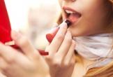 Mẹ tô son, dưỡng ẩm môi gây hại cho thai nhi như thế nào?
