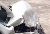 Xe tải tông trực diện ô tô con, 5 người thoát chết khó tin