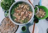 La cà đường phố Đà Lạt tìm ăn lẩu gà lá é, ốc nướng tiêu