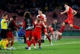 Hạ Napoli bằng siêu phẩm, Arsenal vào bán kết