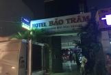 Người đàn ông mang theo ảnh cưới, treo cổ chết trong khách sạn