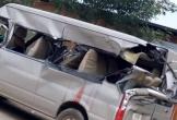 Xe tải va chạm xe 16 chỗ, 1 người chết tại chỗ