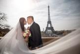 Đạo diễn 'Cua lại vợ bầu' kết hôn với bạn gái 9X sau 4 năm yêu