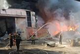Kinh hãi cháy dữ dội ngay sát cây xăng ở Hải Phòng