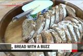 Kỳ lạ: Thưởng thức bánh mỳ làm từ dế