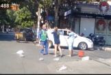 Bị nhắc nhở vì ném rác vô ý thức, cô gái lao đến đánh tới tấp chị lao công