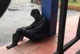 Bức ảnh 'giấc ngủ vội của người thợ mỏ' khiến ai nấy cũng đều thấy 'nghẹn'