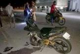 Nghệ An: Ô tô đâm xe máy làm 2 người bị thương nặng rồi chạy trốn