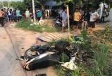 Xe máy tông nhau, 2 tài xế ngã xuống đường bị xe khách cán chết