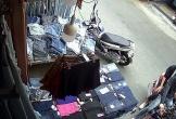Clip: Choáng váng cảnh đôi nam nữ cướp quần jeans ở chợ Hạnh Thông Tây