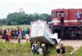 Cố vượt qua đường sắt, tài xế xe tải bị tàu húc lìa chân ở Hà Tĩnh