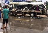 Xe tải đâm xe khách làm 3 người chết, 31 người bị thương