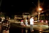 Xe ô tô khách bị cháy rụi sau tiếng nổ lớn