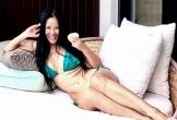 Hồng Nhung diện bikini khoe thân hình săn chắc ở tuổi U50
