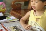 Kỳ lạ bé gái Hà Tĩnh bại liệt 3 tuổi bỗng dưng biết đọc