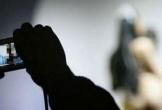 Quen qua mạng xã hội, người phụ nữ bị tống tiền bằng