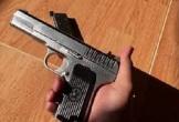Cựu chiến sĩ công an trộm súng mang ra ngoài bán lấy tiền