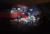 Xe khách giường nằm đối đầu ôtô tải, hai tài xế tử vong