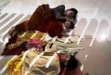Hành khách bức xúc vì bị Vietjet Air hủy chuyến, nằm vạ vật suốt đêm ở sân bay Thọ Xuân