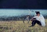 Liên Bỉnh Phát ngẫu hứng cover 'Tình yêu hoa gió', phản ứng của 'voi biển' Trương Thế Vinh khiến các fan… 'đau tim'